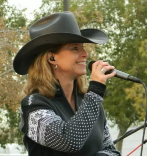 Audrey Hicks and the Sierra Outlaws