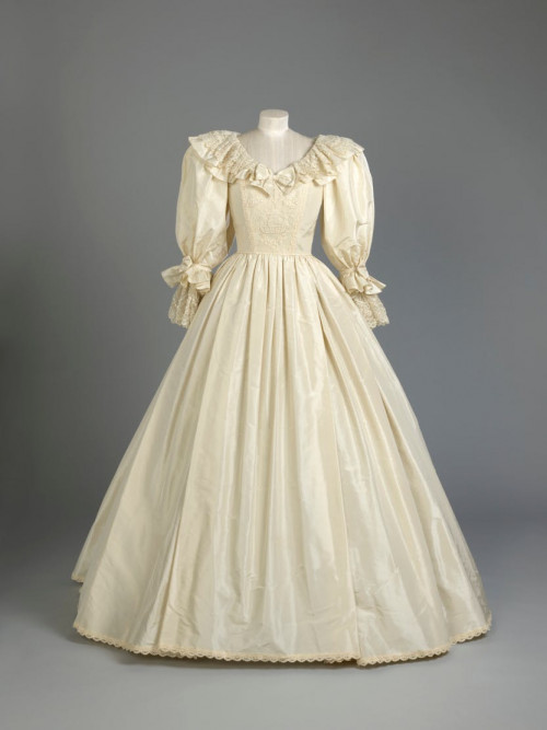 https---historicroyalpalaces.picturepark.com-Go-o4wwVM01-V-51261-29.jpeg