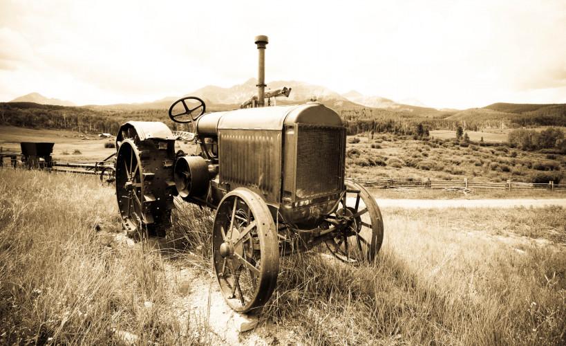 Antique Tractor Show - Downtown Jefferson