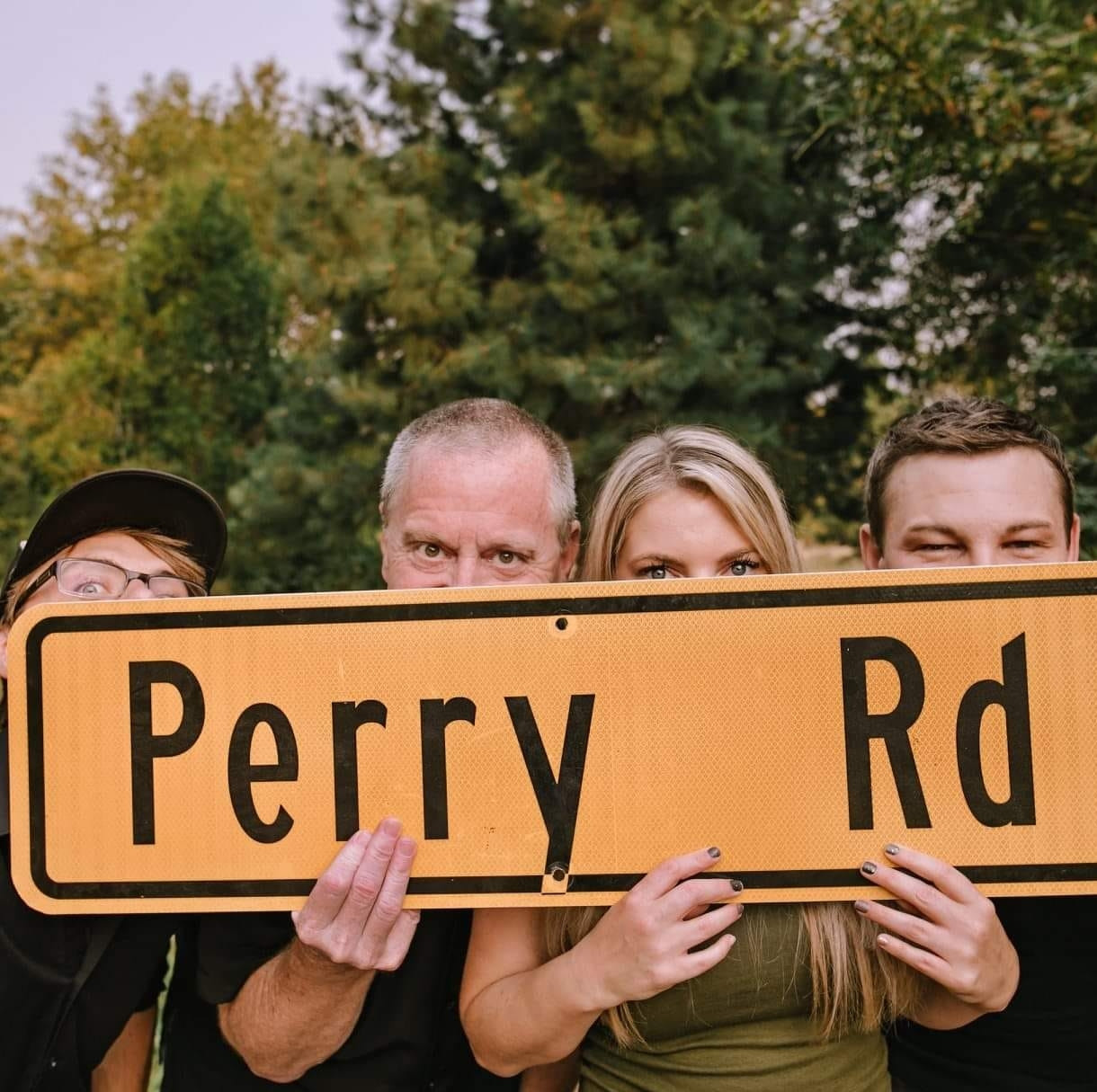 Perry Road Live at RoxyAnn Winery