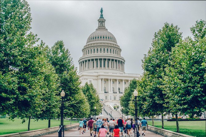 VIP Best of DC Tour & Lunch - With Access to US Capitol & National Archives Buildings