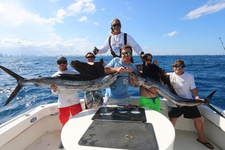 Deep Sea Private Group Big Game Fishing Charter for up to 6 People
