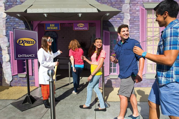 Universal Studios Hollywood - Skip the Lines: Express access to all rides, shows and attractions.