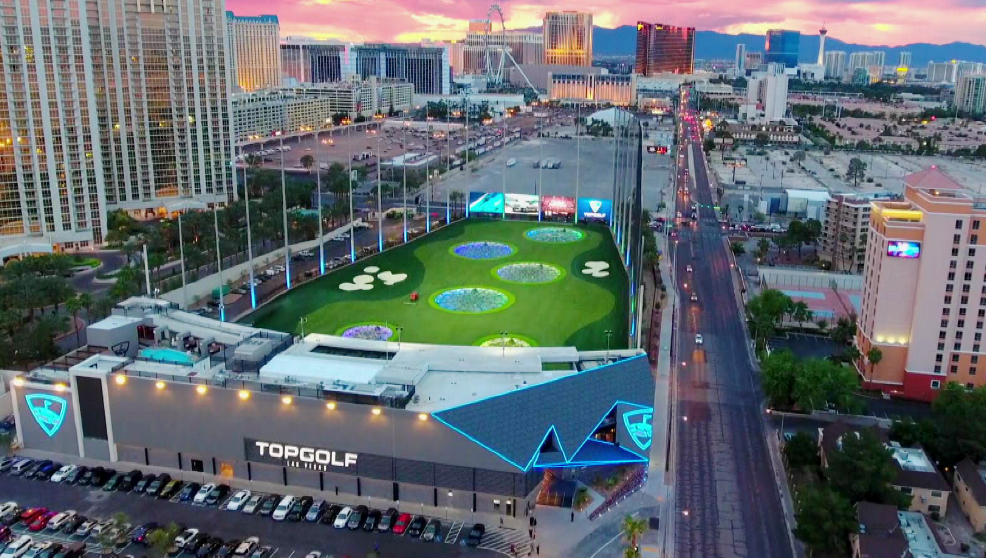 Topgolf | Experience the global sports entertainment venue that everybody's talking about